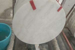 白色大理石圓桌